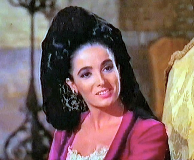 Linda Cristal as Victoria Cannon